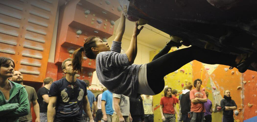 Craggy Island Guildford >> Craggy Island Indoor Bouldering and Caving Centre in ...