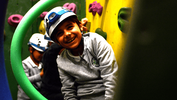 Craggy Island Guildford >> Mini Kids Climbing Club at Craggy Island Sutton, South London for 5-7 years